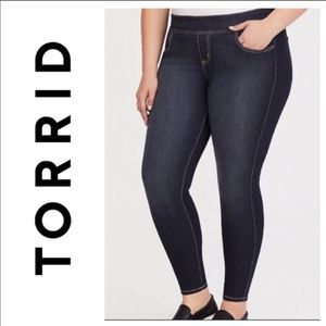 NWT 🤩 Torrid Dark Wash Skinny Lean Jean 0X